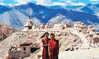 Experience Ladakh in Ladakh Tour Packagbes